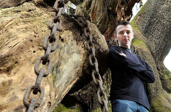 The Legend of the Chained Oak: An Interview with Dan Weatherer